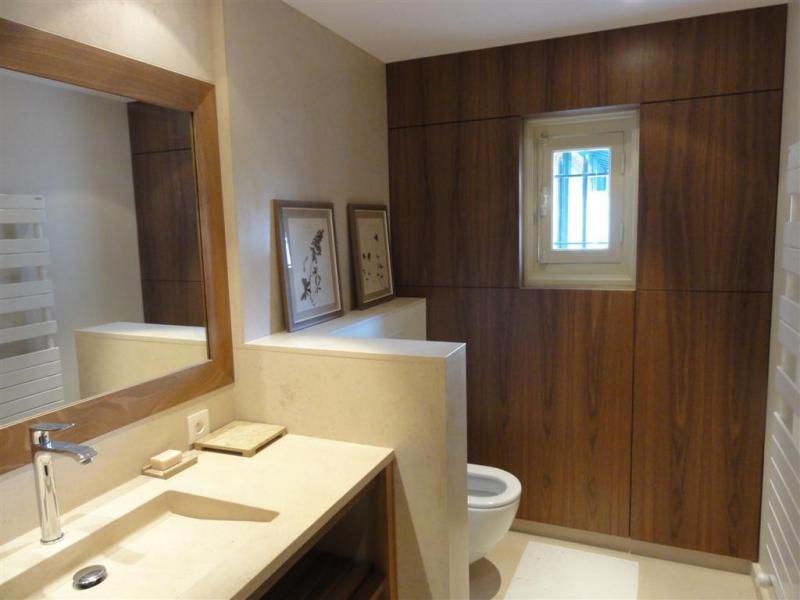 Agencement int rieur meuble sur mesure pr s de biarritz for Plan travail salle de bain